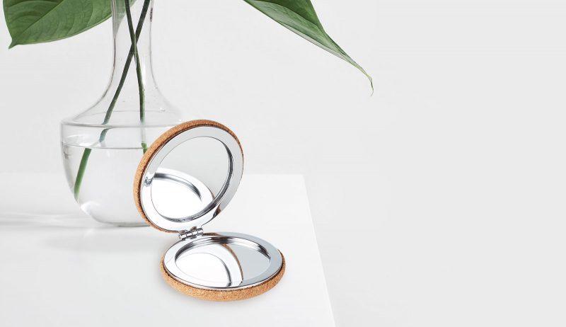 Kozmetičko ogledalo s poklopcem od pluta