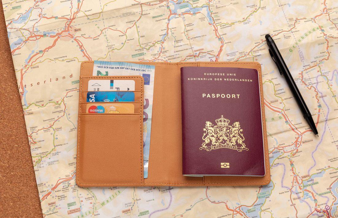 Promotivni eco etui za putovnicu od pluta s RFID zaštitom